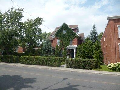 1391 rue du college