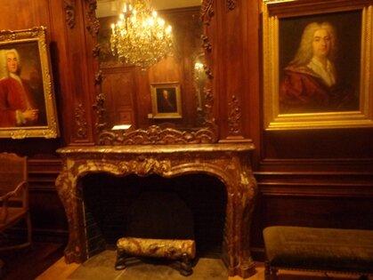 hall chateau ramezay
