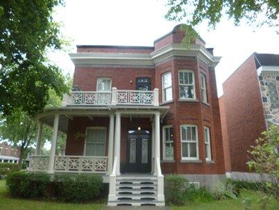 house eglise street