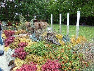 jardin metal et verre insectes