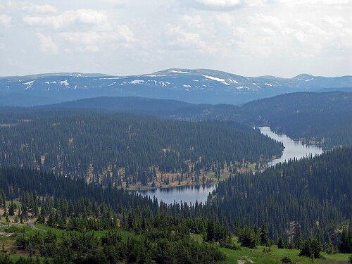 Groulx Mountains