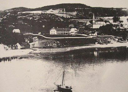 plages de tadoussac église